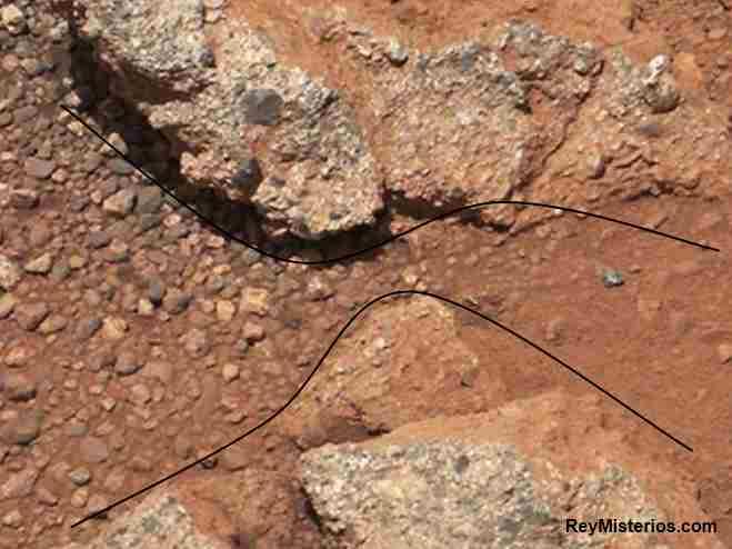 existe agua Marte 2012