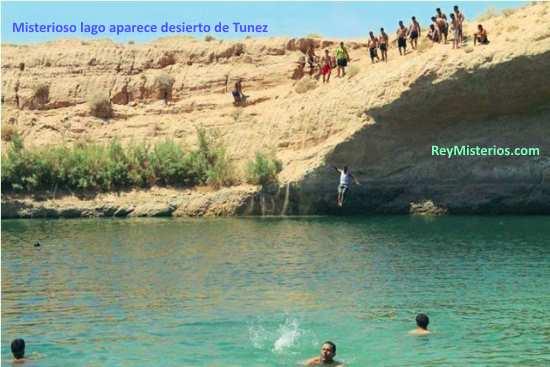 Misterioso lago desierto de Tunez